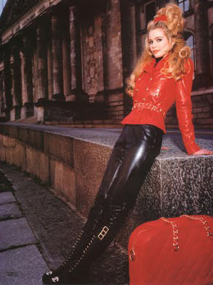 Vintage Fashion chanel-claudia schiffer.jpg