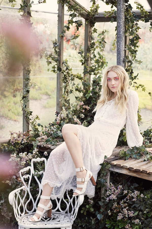 JIMMY CHOO SS17 STYLE DIARY DAKOTA FANNING WEARING THE MAYA SHOE (1).jpg