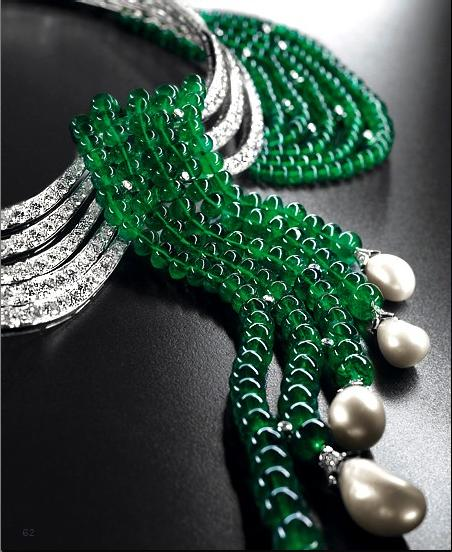 van-cleef-amp-arpels-emerald-and-pearls-necklace_1.jpg