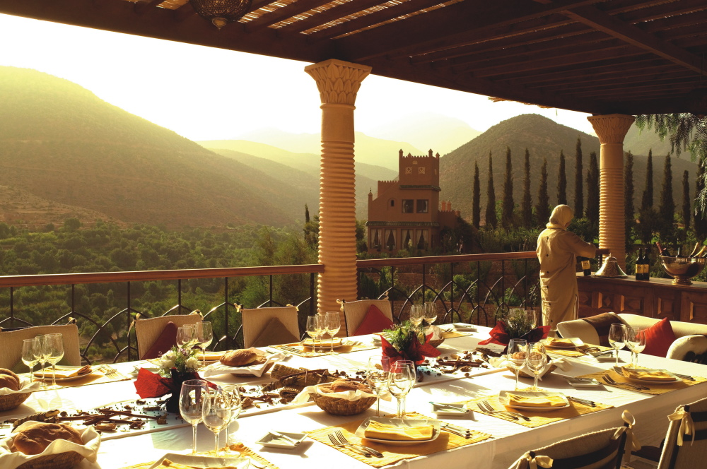 kasbah-dining-pool_terrace-hi.jpg