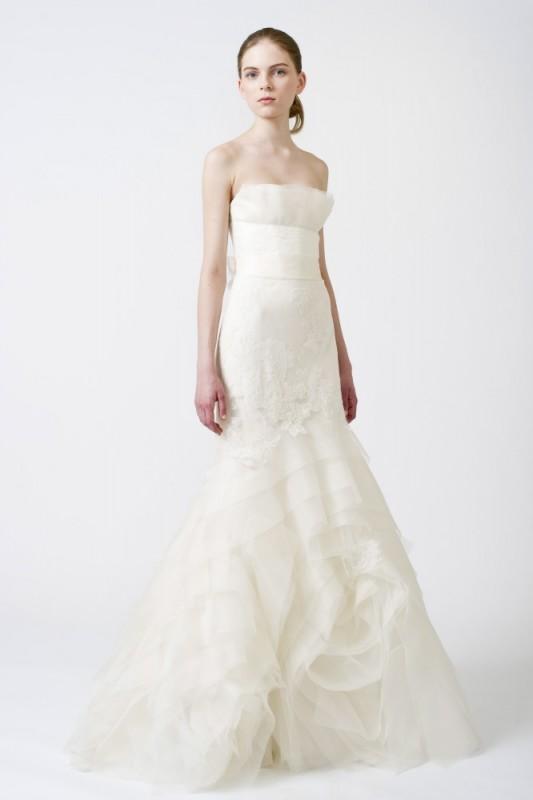 Vera_Wang_Wedding_Dress_1.jpg