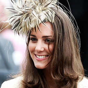 2011-04-05-15-57-08-1-kate-middleton-with-a-fascinator.jpeg