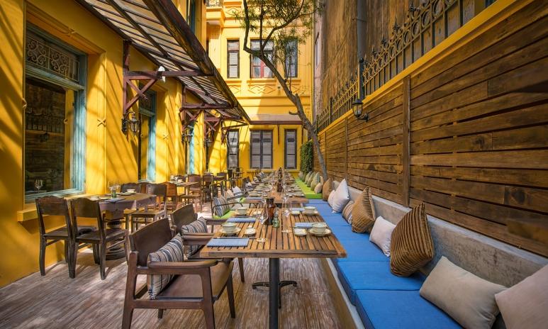Home_restaurant-terrace.jpg