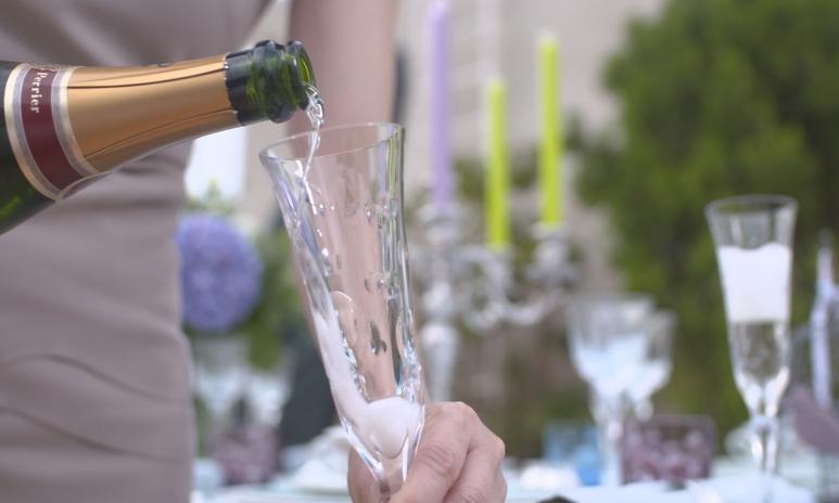pour-champagne.jpg