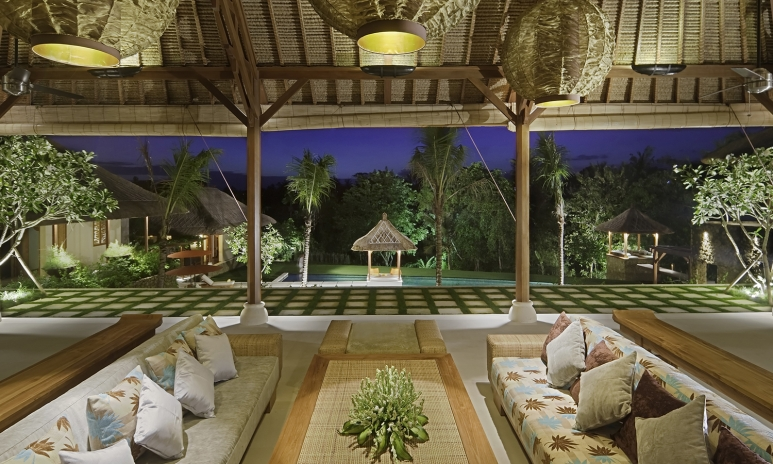 41-Villa Puri Bawana - Main living area interior.jpg