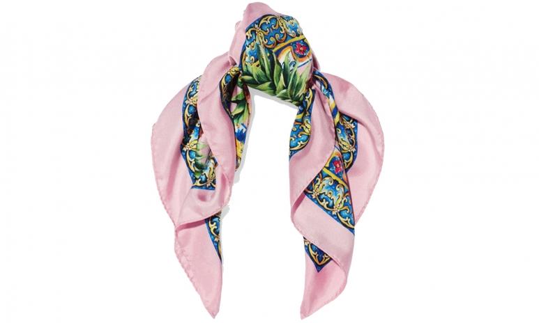 DG scarf valentines.jpg