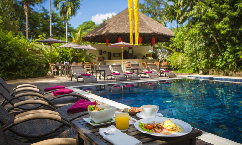 Enjoy a delicious breakfast by the poolside_Book my stay here_.JPG