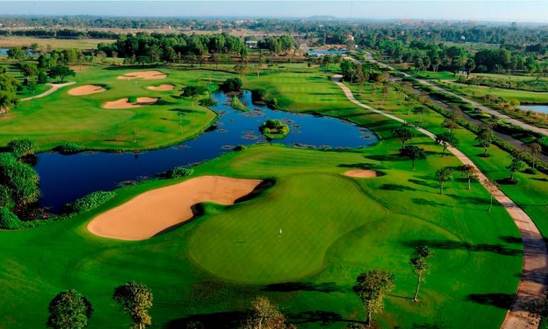 4. Golf course.jpg