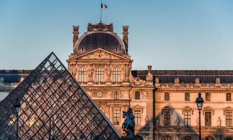 01-Louvre_1.orig.jpg