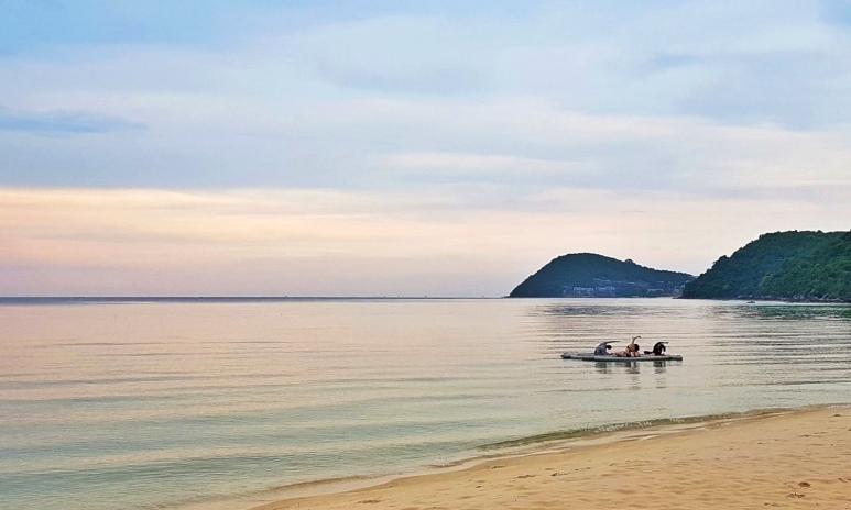 Phu Quoc Beach SUP Yoga 1.jpg