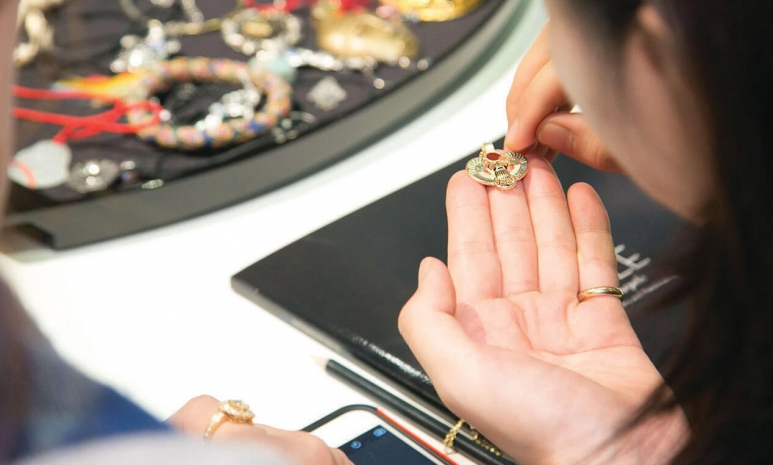 jewelry_art_history_03.jpg