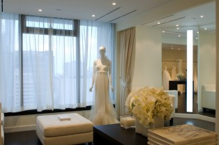 Vera_Wang_Wedding_Dress_3.jpg
