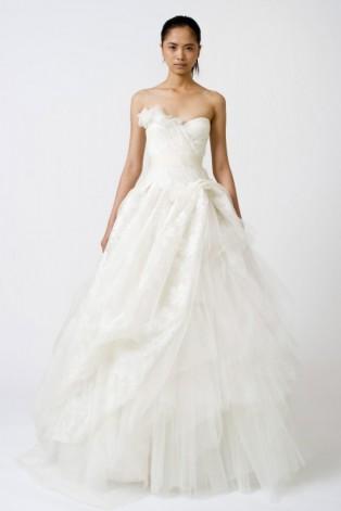 Vera_Wang_Wedding_Dress_2.jpg