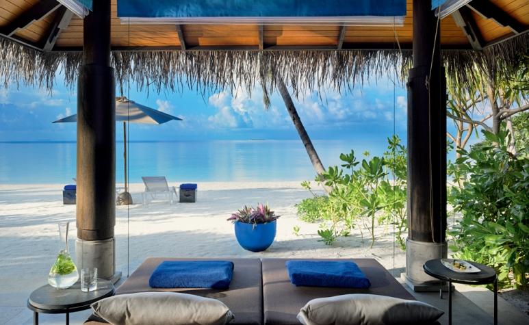 0- Velaa Beach Pool Villa - Outdoor Gazebo.jpg -