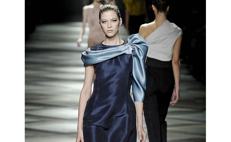 2- bluedress.jpg -